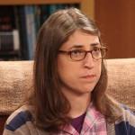 Amy z Big Bangu vydává veganskou kuchařku